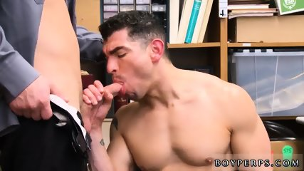 "Penis exam police gay 18 year old Caucasian male, 5 10,"" entered store in a rush,"