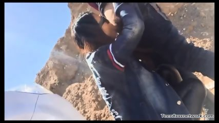 Chinese beautiful girl outdoor sex on the dirt road