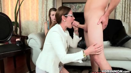Two Girl Blowjob for Lucky Guy Fuck Both
