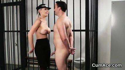 Kinky stunner gets jizz shot on her face swallowing all the semen