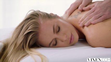 VIXEN Nicole Aniston Has Hot Dominating Sex On Vacation - scene 3