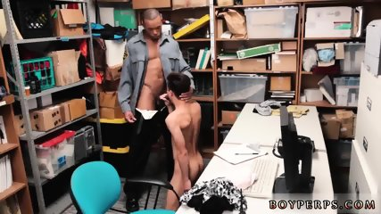 """Police nu gay porno 20 year old Caucasian male, 5 8,"""" came into the garment store and"""