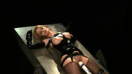 Tied Woman's Kinky Dream - scene 10