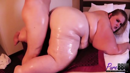Huge Whore Gets Pounded