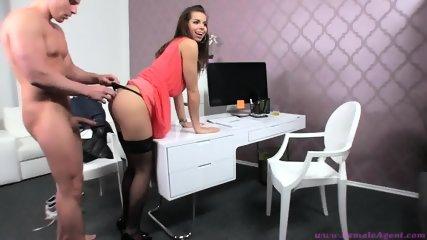 female agent casting - scene 6