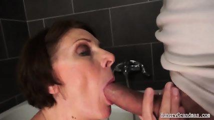 Lesbian milfs have sex