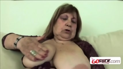 Hot chick making big cock disappear