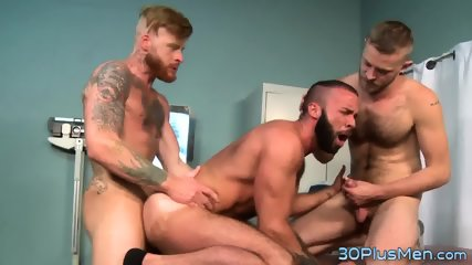 Hairy Dude Getting His Chest Jizzed
