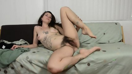 Mature Lady With Hairy Vagina