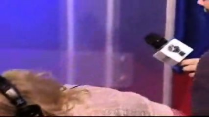 Jenna Jameson rides a sybian for the Howard Stern show - scene 12