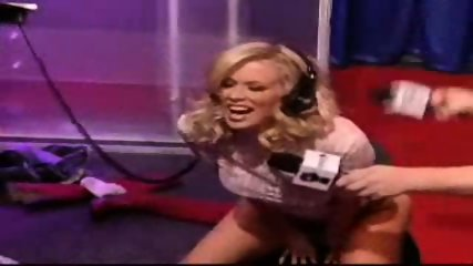 Jenna Jameson rides a sybian for the Howard Stern show - scene 5