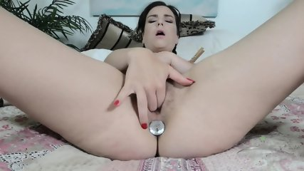 Hairy Pussy Toying And Rubbing
