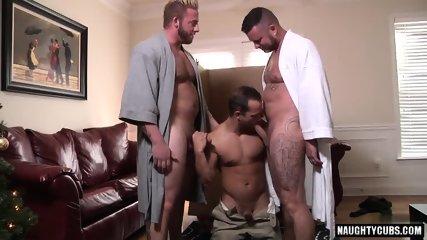 Big Dick Gay Threesome With Cumshot - scene 8