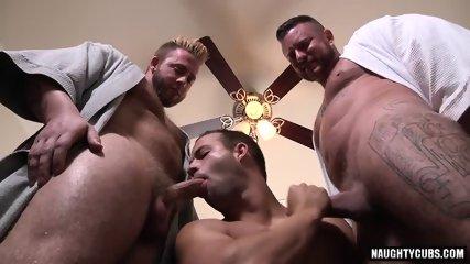 Big Dick Gay Threesome With Cumshot - scene 9