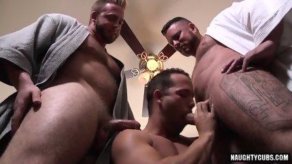 Big Dick Gay Threesome With Cumshot - scene 11