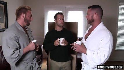 Big Dick Gay Threesome With Cumshot - scene 1