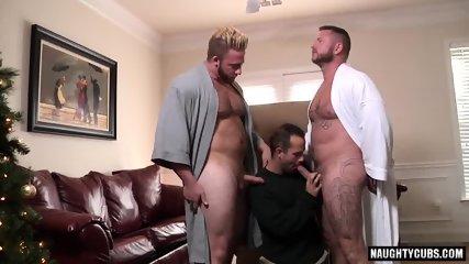 Big Dick Gay Threesome With Cumshot - scene 5