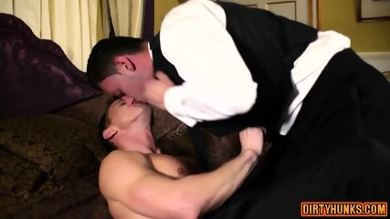 Muscle Gay Flip Flop With Cumshot - scene 5