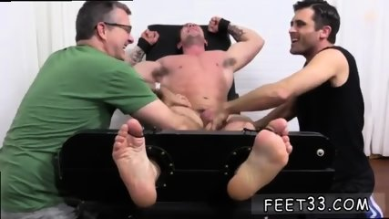 Teen boys showing their penis and toes guys that like sucking on gay Trenton Ducati Bound - scene 8