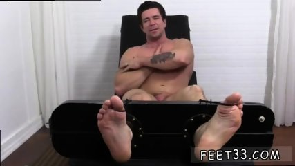 Teen boys showing their penis and toes guys that like sucking on gay Trenton Ducati Bound - scene 10