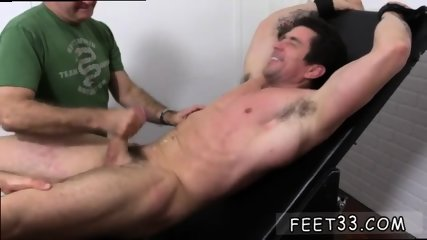 Teen boys showing their penis and toes guys that like sucking on gay Trenton Ducati Bound - scene 5
