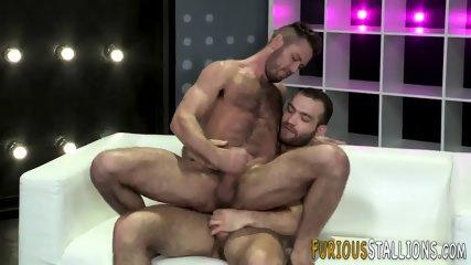 Big cock hunk sucking - scene 10