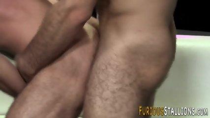 Big cock hunk sucking - scene 7