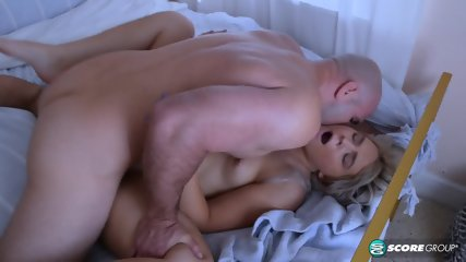 Curvy Girl Receives Creampie - scene 10