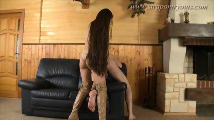 strapon Girl fucks guy