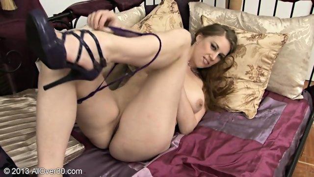Masturbation Of Mature Girl