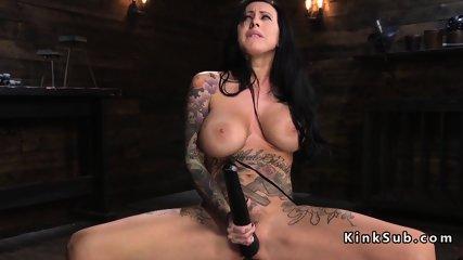 Huge tits alt babe rides Sybian