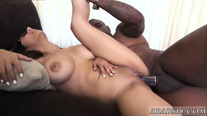 White girl sucks huge cock Mia Khalifa Tries A Big Black Dick