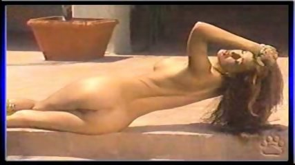 Nikki Nova showing her pussy - scene 10