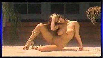 Nikki Nova showing her pussy - scene 12