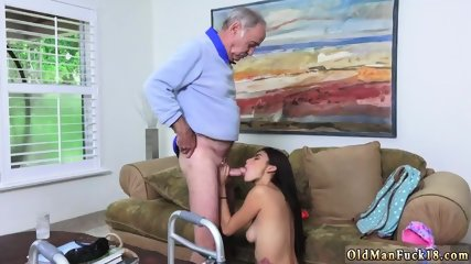Girl fucks step daddy first time Poping Pils!
