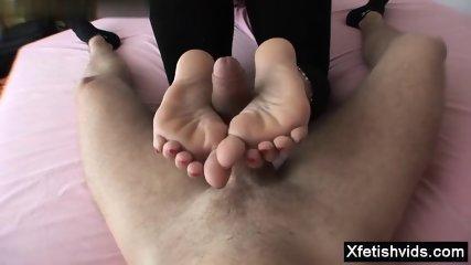 Hot milf footjob with cumshot