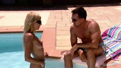Holidays With Attractive Blonde - scene 2
