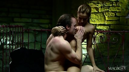 Kinky Anal Sex With Horny Babe - scene 3