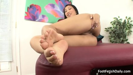 Lonely Girl With Sexy Feet - scene 1