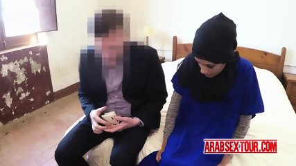 Kinky dude convinces beautiful arab chick to take some money for sex