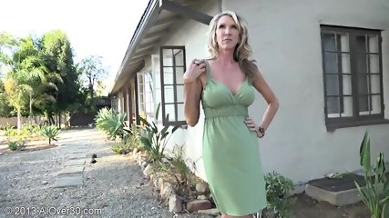 Mature Lady Shows Pussy In The Garden - scene 6