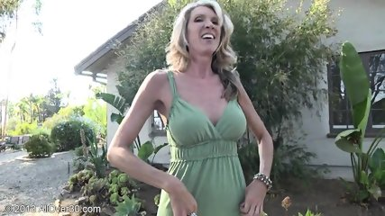 Mature Lady Shows Pussy In The Garden - scene 7