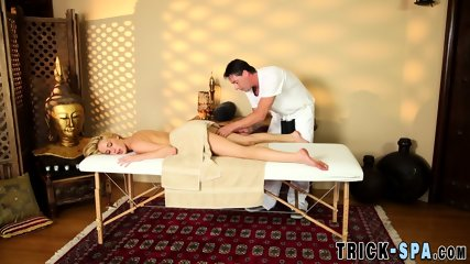 Teen sucks masseur for jizz - scene 7