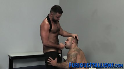 Muscled dude face fucked - scene 11