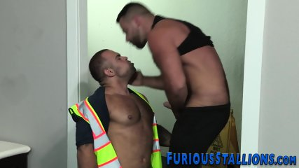 Muscled dude face fucked - scene 6