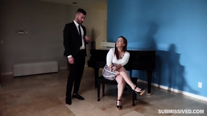 Slave Fucked In Front Of Kinky Lady - scene 1