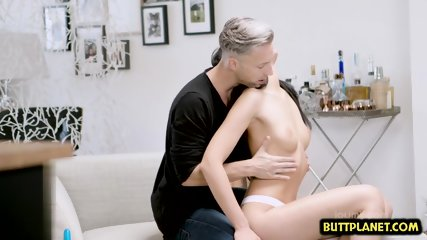 Hot pornstar blowjob with cumshot - scene 1