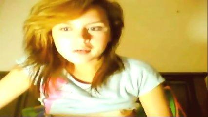 Brunette Teen Fingering Her Sweet Cunt On Webcam - scene 4