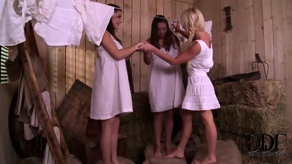 Hard Cock For Three Horny Ladies Bonnie, Henessy And Kiara - scene 2