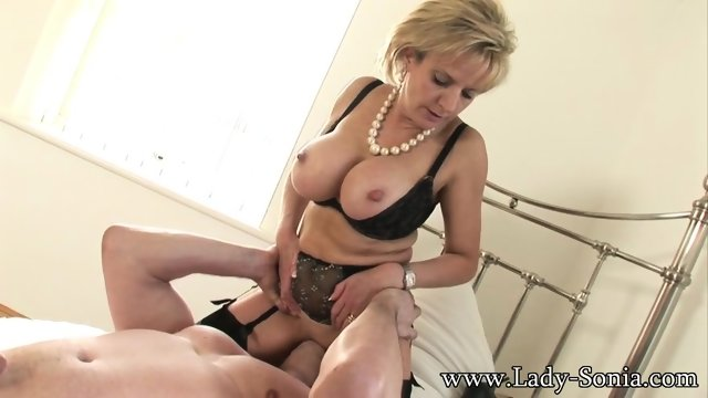 Mature Lady Gets Licked And Fucked